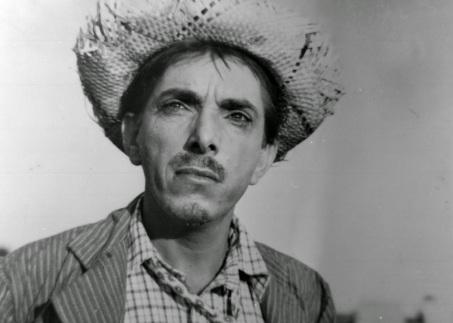 9 de Abril - 1912 - Amácio Mazzaropi, ator, diretor e comediante brasileiro (m. 1981).