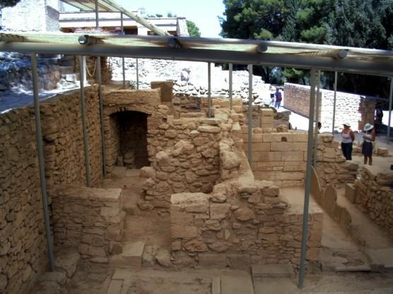 23 de Março - 1900 - Início das escavações em Cnossos.
