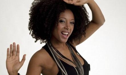17 de Setembro – 1979 – Negra Li, cantora brasileira.