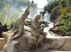 21 de Maio - Monumento aos Indios Puris - Início do Caminho da Luz - Cachoeira de Tombos - Tombos (MG) 165 Anos.