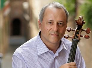 23 de Agosto — 1957 – Antonio Meneses, violoncelista brasileiro.