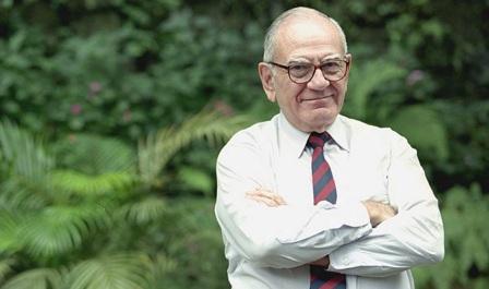 23 de Abril - 1923 — Hélio Jaguaribe, sociólogo, cientista político e escritor brasileiro.