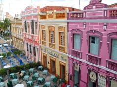 13 de Abril - Restaurantes e bares no centro histórico da cidade de Fortaleza.