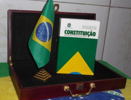 22 de Setembro – 1988 – O Congresso Nacional aprova o texto definitivo da nova Constituição brasileira.