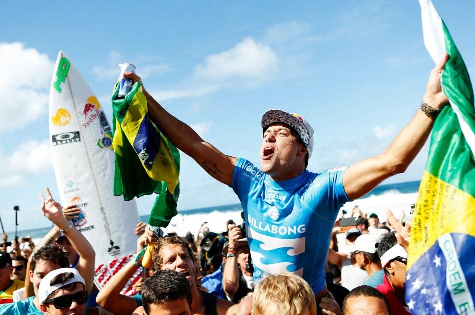 13-de-fevereiro-mineirinho-surfista-brasileiro