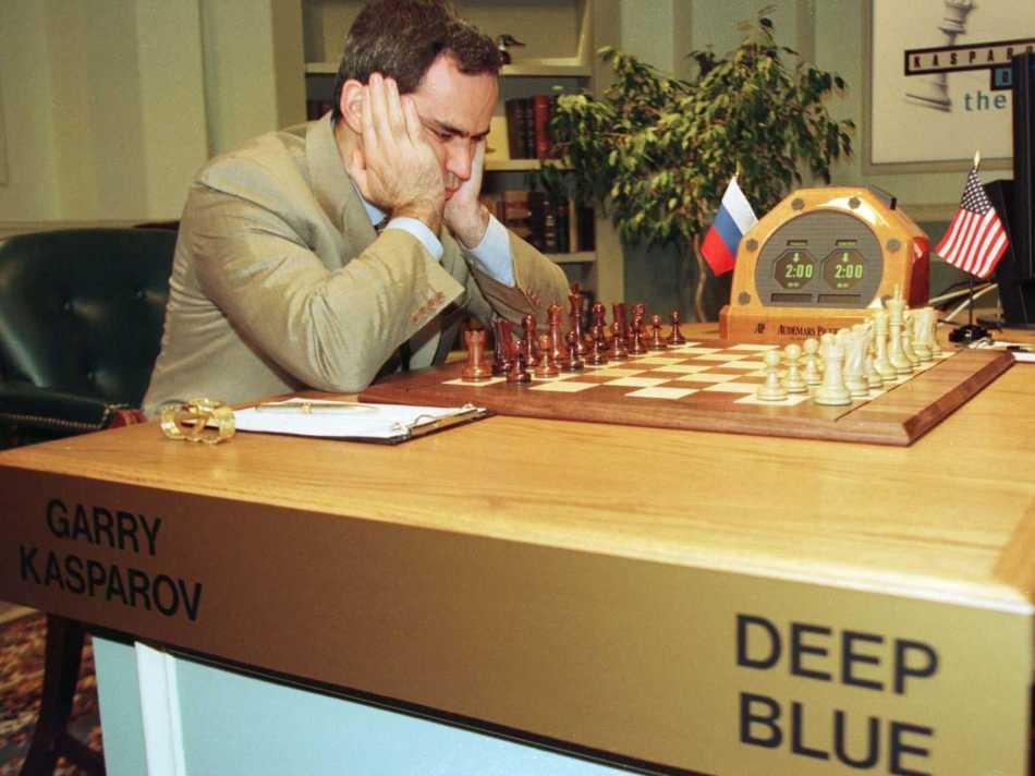 17-de-fevereiro-1996-o-campeao-de-xadrez-russo-garry-kasparov-vence-o-supercomputador-da-ibm