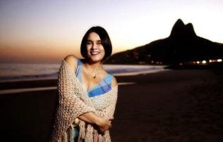 31-de-janeiro-joyce-cantora-brasileira