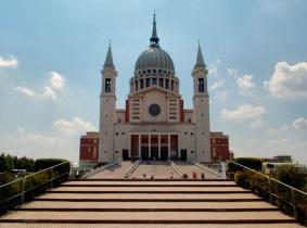 16 de Agosto – Dom Bosco - 1815 – 202 Anos em 2017 - Acontecimentos do Dia - Foto 18 - Basílica de Dom Bosco em Castelnuovo Don Bosco, Itália.
