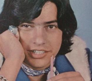 5 de Abril - 1992 — Antônio Marcos, cantor, compositor e ator brasileiro (n. 1945).