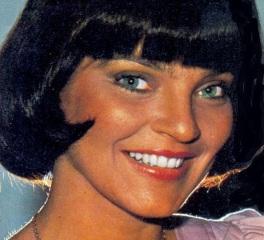 25 de Abril - 1951 — Sandra Barsotti, atriz brasileira de cinema e televisão.