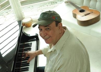 17 de Agosto – 1934 – João Donato, cantor e compositor brasileiro.