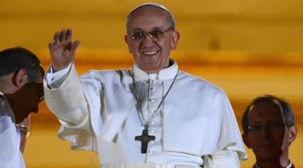 13 de março - 2013 — Papa Francisco é eleito, no conclave papal, como o 266.° Papa da Igreja Católica.