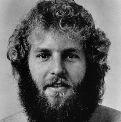 6 de Setembro – 1990 – Tom Fogerty, músico estado-unidense (n. 1941).