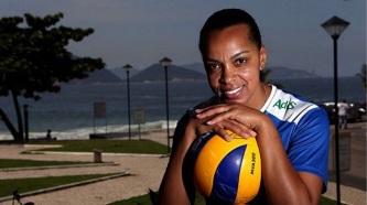 10 de Março - Fofão, atleta de voleibol brasileira.