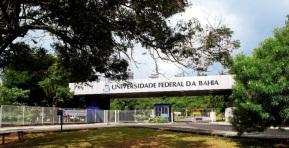 8 de Abril - 1946 — Fundação da Universidade Federal da Bahia, em Salvador.