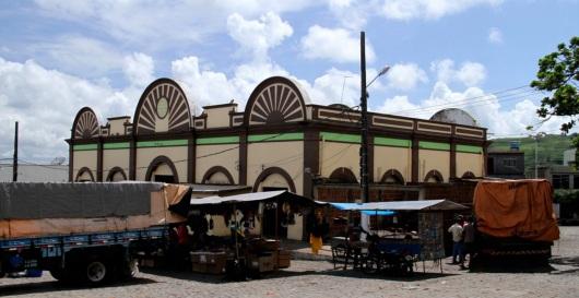 2 de Maio - Umbuzeiro (PB) - Mercado Municipal de Umbuzeiro. Foto - Egberto Araújo.