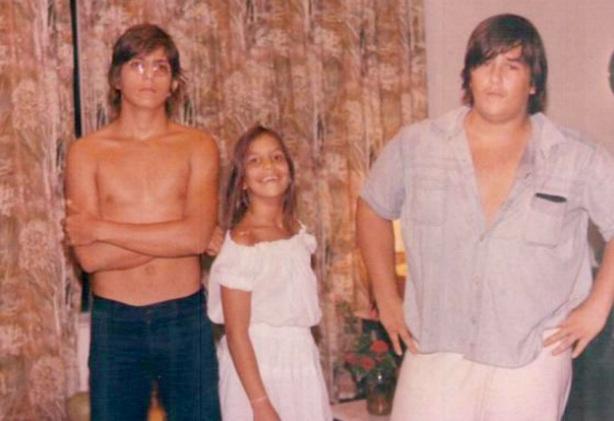 27 de Maio - Ivete Sangalo ainda menina, com os irmãos.