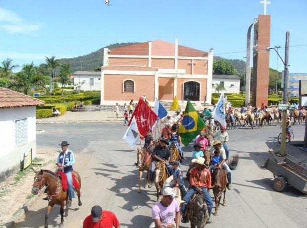 1 de Outubro - Cavalgada - Igreja Matriz — Campos Belos (GO)— 63 Anos em 2017.