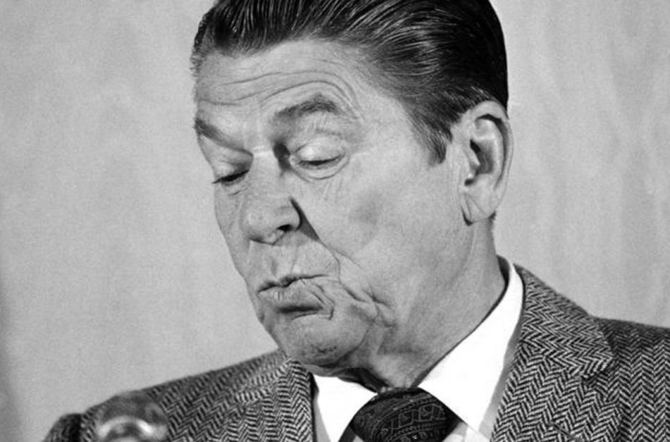 Reagan, o presidente dorminhoco, principalmente nas entrevistas no início de governo. Parecia não saber o que fazia ali.