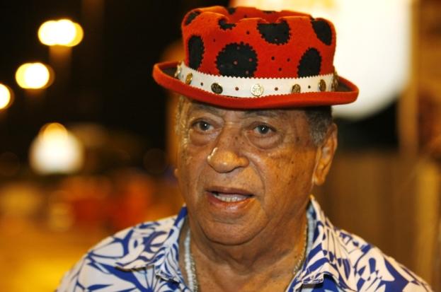 5 de Abril - 1931 — Genival Lacerda, cantor e compositor brasileiro.