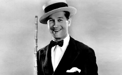 12 de Setembro – 1888 - Maurice Chevalier, ator e cantor francês (m. 1972).
