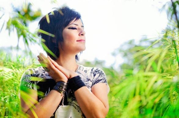25 de Agosto — Fernanda Takai - 1971 – 46 Anos em 2017 - Acontecimentos do Dia - Foto 2.