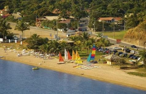 3 de Setembro – Escola de iatismo BL3 na Praia Engenho d'Água — Ilhabela (SP) — 212 Anos em 2017.