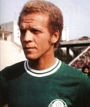 3 de Abril - 1942 — Ademir da Guia, ex-futebolista e político brasileiro.