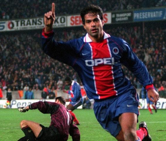 15 de Maio - 1965 - Raí - ex-futebolista brasileiro, no Paris Saint-Germain.