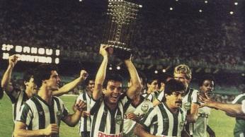 31 de Julho - 1985 — O Coritiba Foot Ball Club é o primeiro clube paranaense a se sagrar campeão brasileiro.