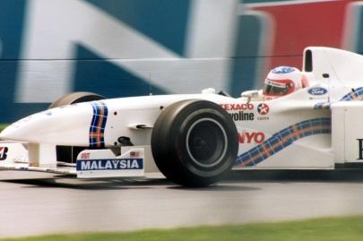23 de Maio - Barrichello quando ainda corria pela Stewart, em 1997.