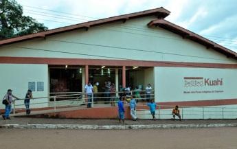 23 de Maio - Museu Kuahí da cultura indígena, onde os funcionários são índios das aldeias próximas. O museu fica localizado bem no centro da cidade - Oiapoque (AP) 72 Anos.