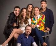 22 de Maio - 1980 - Tiago Leifert com os presentadores do 'É de Casa', André Marques, Ana Furtado, Patrícia Poeta, Cissa Guimarães e Zeca Camargo.