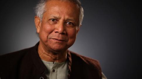 2006 - Muhammad Yunus e o Banco Grameen - microcrédito - pequenos empréstimos para tirar da miséria milhões de pessoas em todo o mundo.