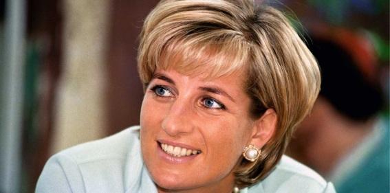 31 de Agosto — 1997 – Diana, Princesa de Gales .