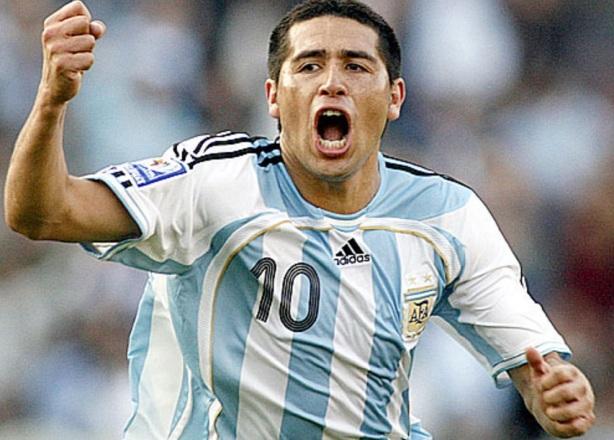 24 de Junho - 1978 – Juan Román Riquelme, ex-futebolista argentino.