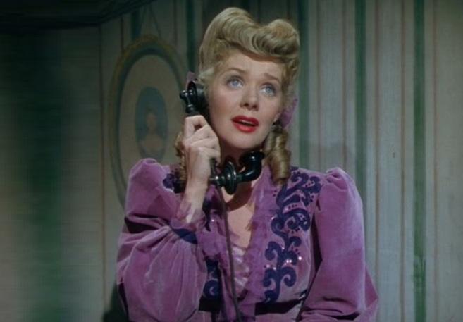 5 de Maio - 1915 — Alice Faye, atriz estadunidense (m. 1998).