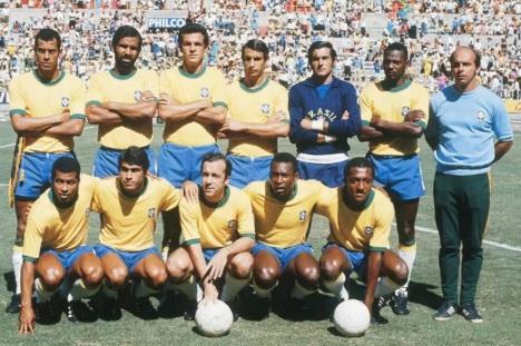 17 de Julho - Carlos Alberto Torres - 1944 – 73 Anos em 2017 - Acontecimentos do Dia - Foto 7 - Brasil 3 x 2 Romênia, partida válida pela Copa do Mundo, no México - 1970.