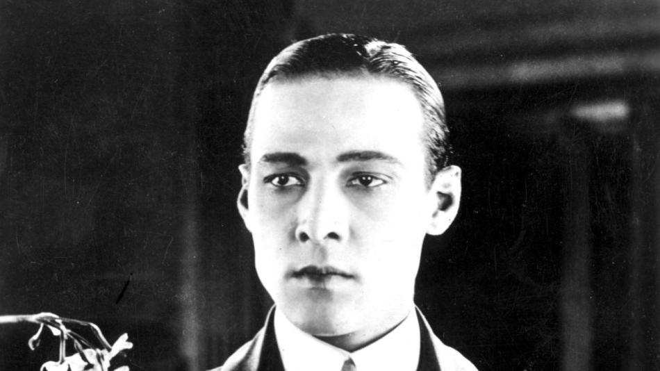 circa 1925: The most romantic hero of the silver screen, Italian -born Rudolph Valentino (1895 - 1926). (Photo by Hulton Archive/Getty Images)