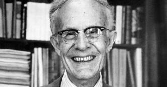 30 de Abril - 1902 — Theodore Schultz, economista norte-americano (m. 1998).