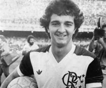1 de Abril - 1958 — Tita, ex-futebolista e treinador de futebol brasileiro.