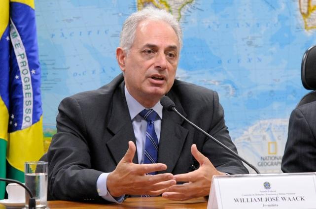30 de Agosto — 1952 – William Waack, jornalista brasileiro.