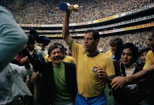 17 de Julho - Carlos Alberto Torres - 1944 – 73 Anos em 2017 - Acontecimentos do Dia - Foto 2.