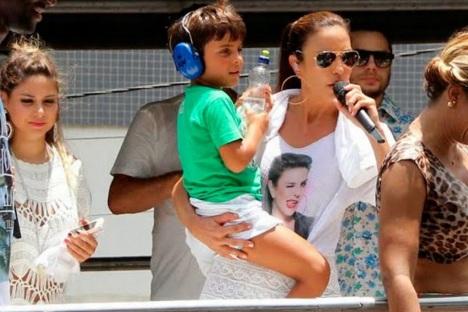 27 de Maio - Marcelo, filho de Ivete Sangalo, faz aniversário e ganha declaração em público.