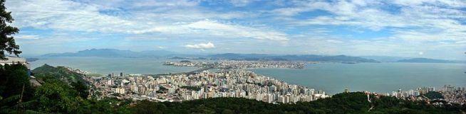 23 de Março - Panorama da região central da cidade a partir da ilha - Florianopolis