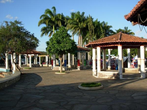 11 de Junho - Imagens da Praça Coronel Zeca Leite - Brumado (BA) - 140 Anos.