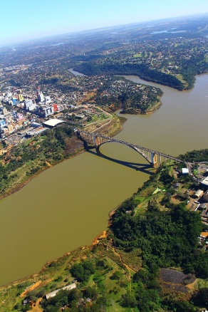 10 de Junho - Ponte Internacional da Amizade - Foz do Iguaçu (PR) - 103 Anos.