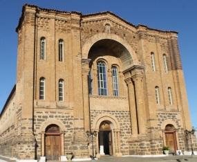 13 de Julho – Catedral Diocesana Nossa Senhora das Mercês — Porto Nacional (TO) — 156 Anos em 2017.