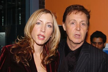 18 de Junho - Paul McCartney - cantor e compositor inglês - com Heather McCartney.