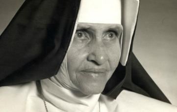 26 de maio - Irmã Dulce, religiosa brasileira